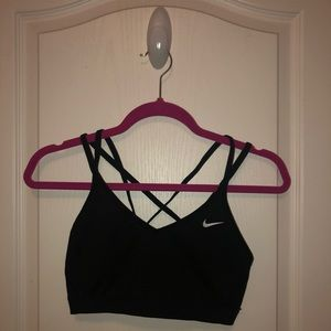 {{Nike}} Indy Strappy Light Support Bra